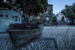 Barca y árbol